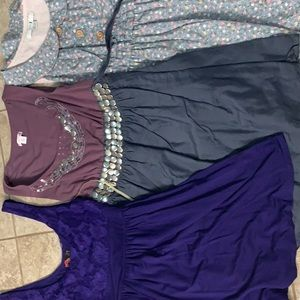 3 women's Extra Small/small dresses